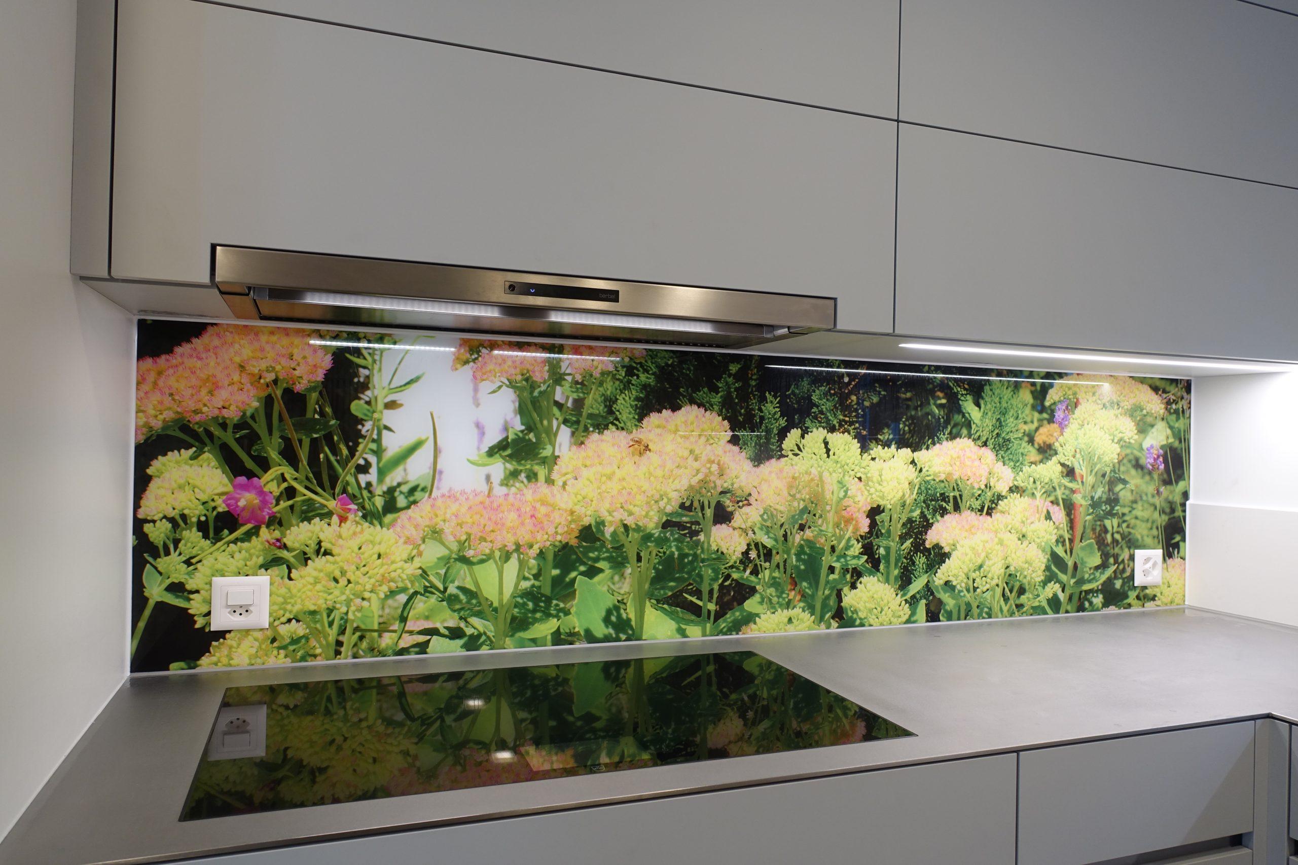 Glasrückwand Küche mit Stein Optik