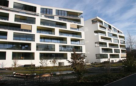 Balkonverglasung Wohnblock
