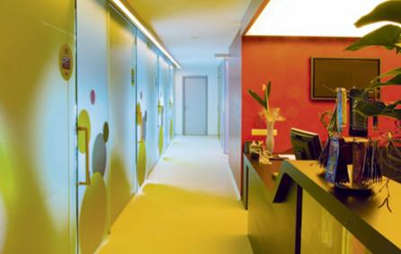 Ganzglasanlagen Behandlungsräume