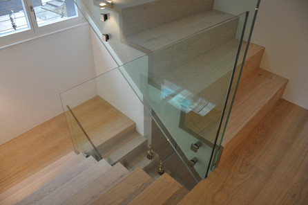 Glasgeländer Treppenhaus