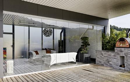 Sitzplatzverglasung mit Terrasse