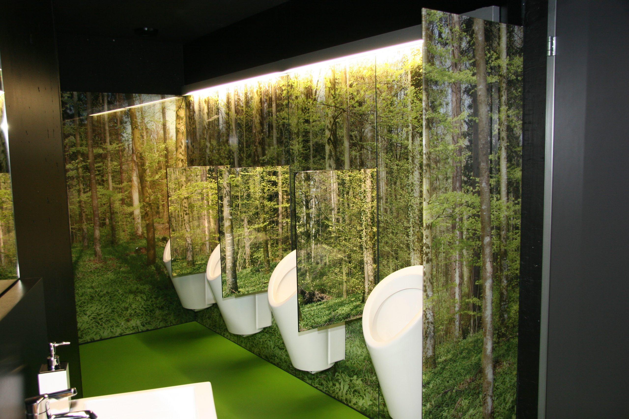 Toilettenanlage Walddesign