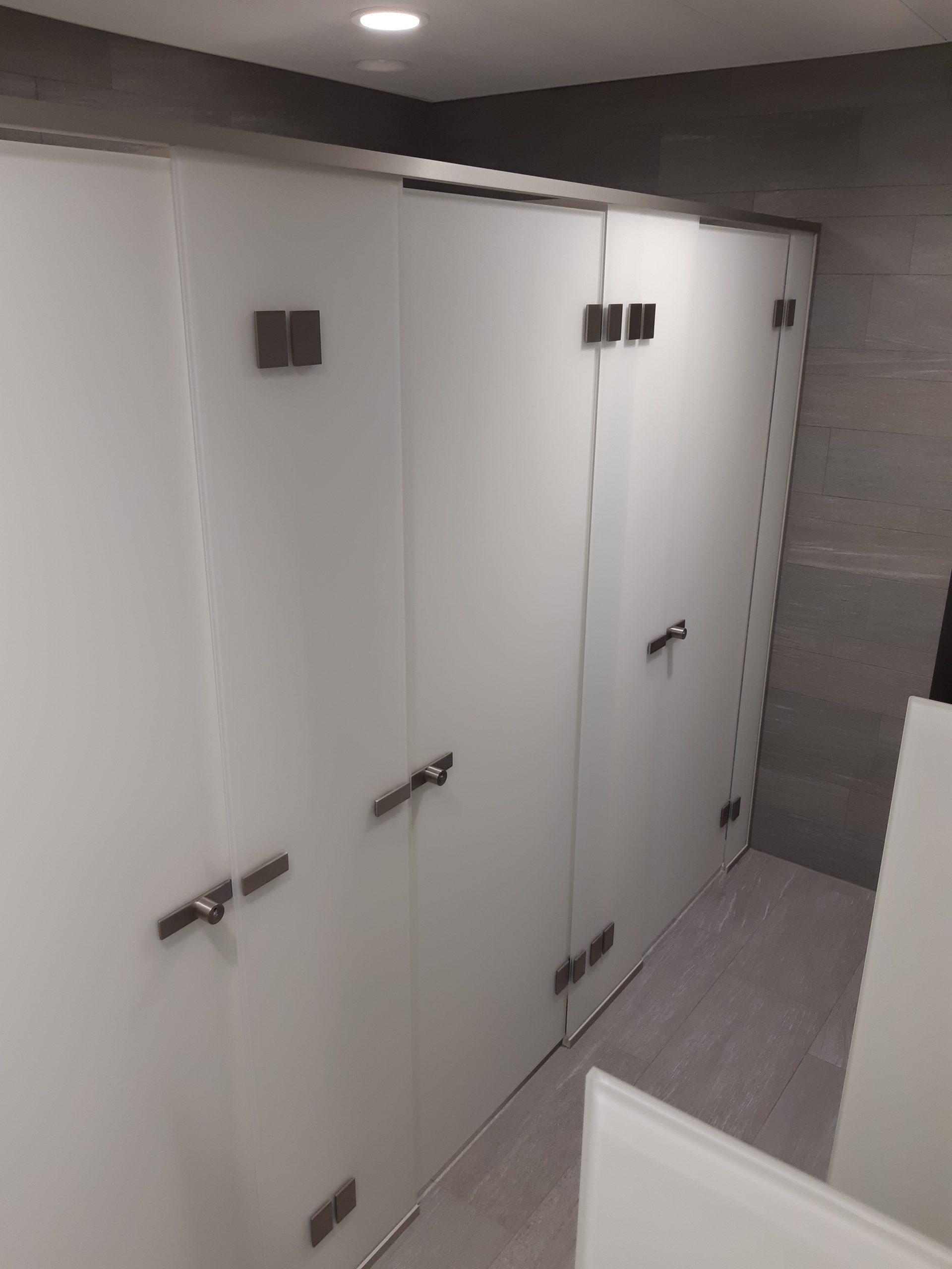 Toilettenanlage weiss